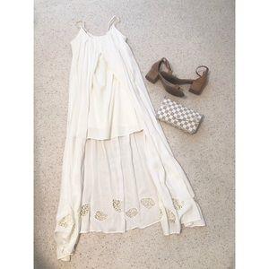 Dresses & Skirts - White Hi Low Flowy Summer Maxi Dress